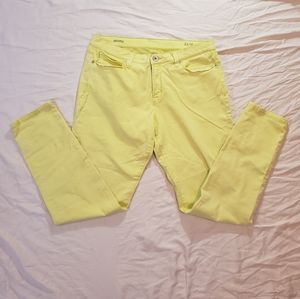 Bright Yellow Skinny Jeans